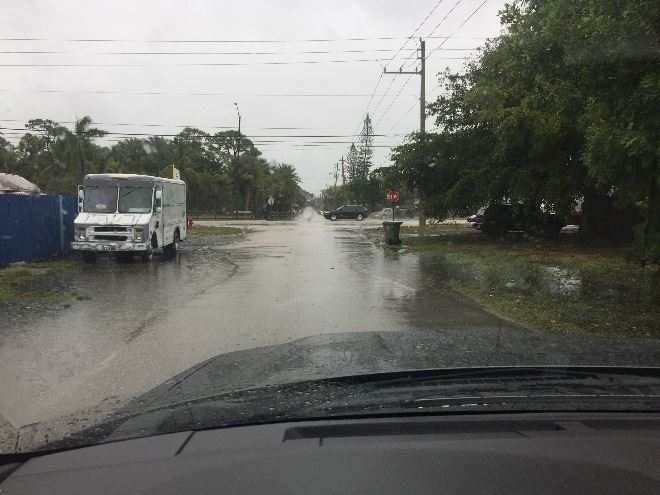 Gulfstream Rd. Lake Worth Rd. to 10th Ave. N. standing water